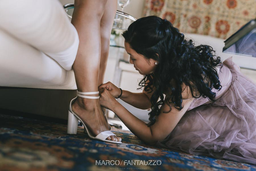 getting-ready-wedding-photographer