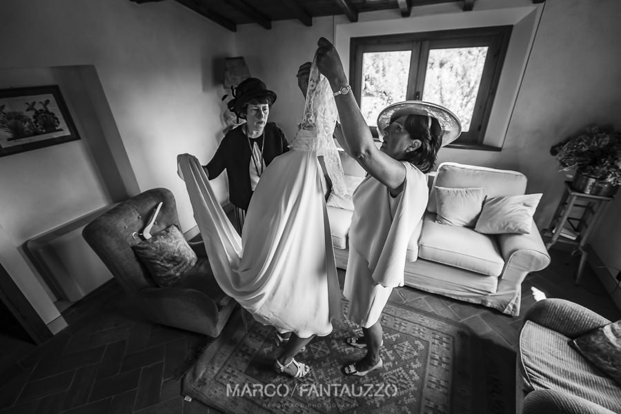 wedding-reportage-photographer-in-tuscany